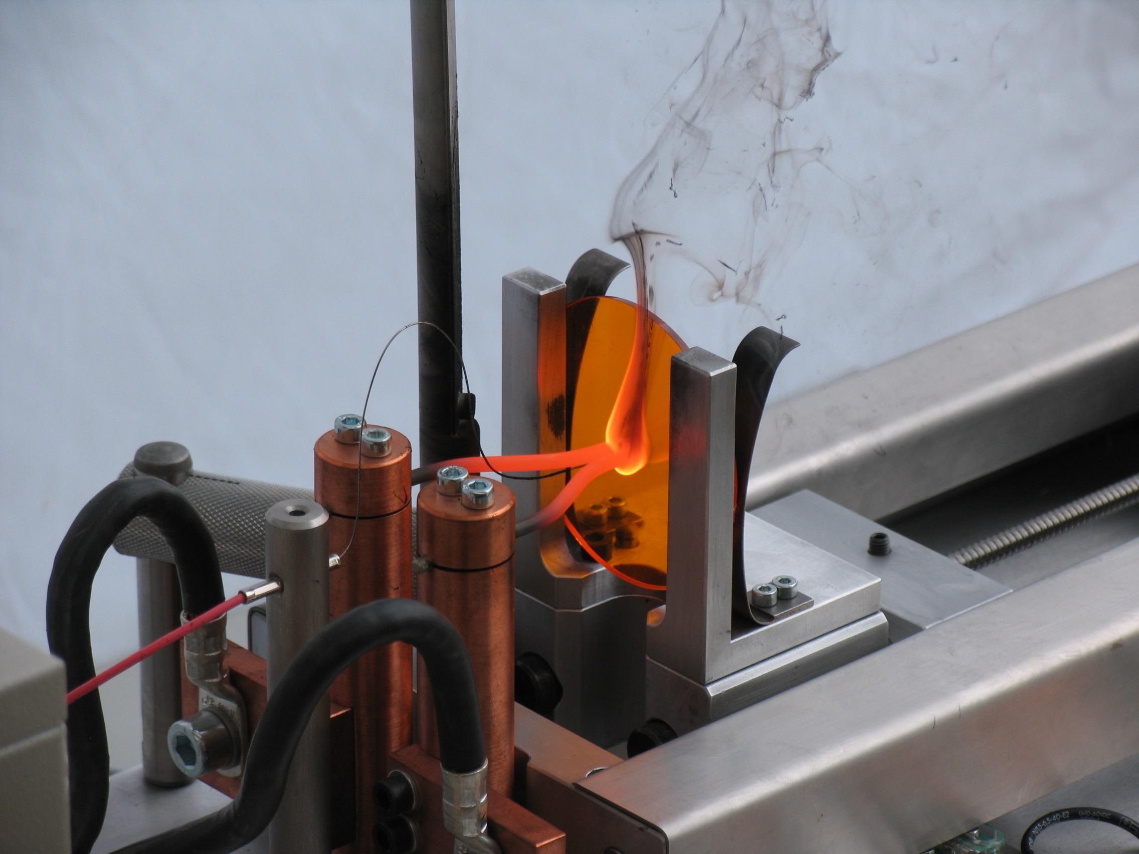 Zwick: Glühdraht-Prüfung: Prüfung des Flammverhaltens von ...